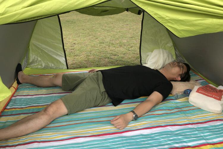 昼寝公園テント